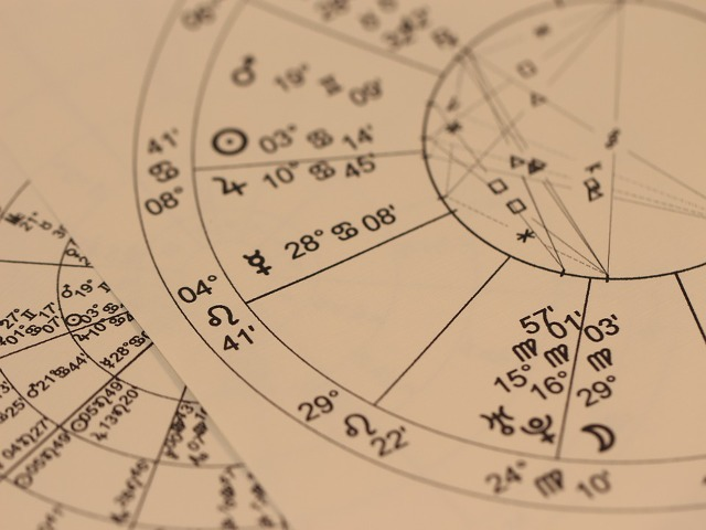 astrology-993127_960_720.png