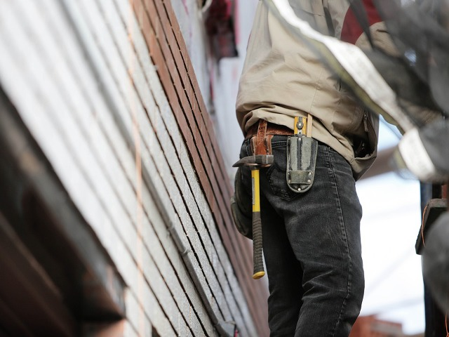 construction-worker-569149_960_720.png