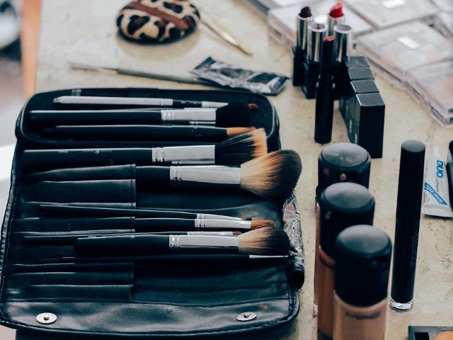 make-up.png