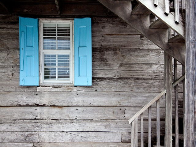 shutters-669296_960_720.png